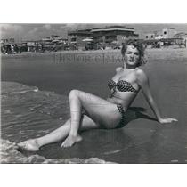1964 Press Photo Denise Clar, 22, a singer and German Screen star, - KSB59529