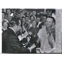 1958 Press Photo Arkansas Gov Applauded By Students - RRV50159