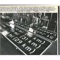 1973 Press Photo Lowell Doyle Engineer Michigan Highway - RRV92983