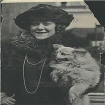 1920 Press Photo Opera Singer Hempel With Dog Returns - RRY26749