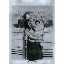 1966 Press Photo Native American Indian Navajo People - RRU33835
