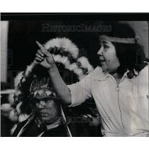 1971 Press Photo Indians Chicago Housing Barrel Whiskey - RRU98383