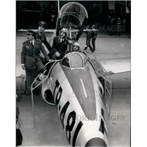 1954 Press Photo Mark H. Vinzant & Spanish teamates for air race - KSB15869