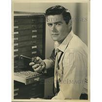 "1958 Press Photo Jeff Richards American actor stars in""Jefferson Drum""."