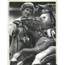 1981 Press Photo Bucking Broc still nets bucks - RRU76001