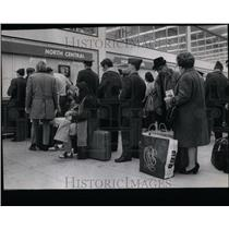 1972 Press Photo North Central Airlines Travelers - RRU89217