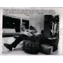 1966 Press Photo Traveler JFK International Airport - RRX14597