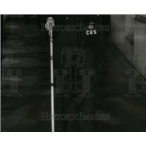 "1937 Press Photo Bob Trout ""The Man In The Street"" - RRU20421"