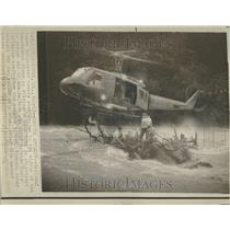1975 Press Photo Helicopter Logjam Middle River Guard - RRV97117