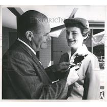 1958 Press Photo John Holland UAL Stewardess Janice - RRV81787