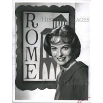 1960 Press Photo Actress Joyce Taylor Poses For Youth Parade By Churchill