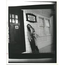 1982 Press Photo Leola Newswriter Florer - RRW31061