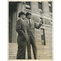 """1964 Press Photo Horace mcMahon and Craig Stevens in """"Mr. Broadway"""" - RSH61143"""