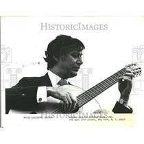 1981 Press Photo Mario Escudero guitarist musician US - RRV82797