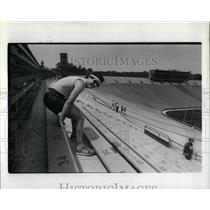 1984 Press Photo Jim Mouth Purol Michigan Stadium Lung - RRW03123