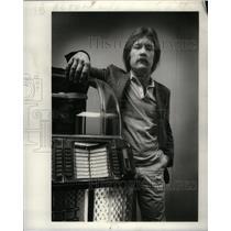 1981 Press Photo Mark Alton composer Song Stolin Claim - RRX49613