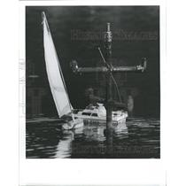 1988 Press Photo Chris Sheire Bryan Sailboat Dunedin - RRX88649