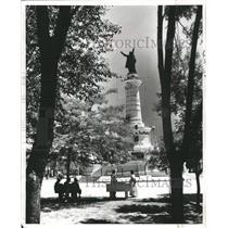 1980 Press Photo Benito Juarez Statue Cathedral mission - RRX89301