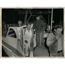 1963 Press Photo Pilot Klemstine Rescued Lake Michigan - RRU98365