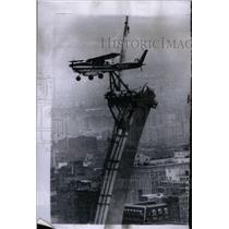 1965 Press Photo East Past Louis Gate Wat West Max - RRX50147