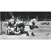 Press Photo Tadeusz Obloj With Puck Player Fight Finland Poland World Hockey