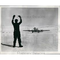 1953 Press Photo two Hastings aircraft Royal Air Force flying over North Pole