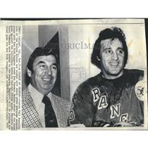 1975 Press Photo Phil Esposito and Ron Stewart - RSH21909