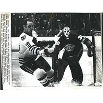 1971 Press Photo Chicago Black Hawks and Los Angeles Kings Play Off  - RSH21841