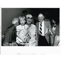 1983 Press Photo Friends Meet at Tampa International Airport - XXB09007