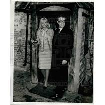 1964 Press Photo British actor and comedian Peter Sellers & wife Britt Ekland