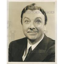 """Press Photo Stage, Radio, and Film Actor Jack Haley on NBC's """"Ford Star Revue"""""""