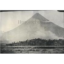 1928 Press Photo Mayon Volcano Erupts in the Philippines - XXB12533