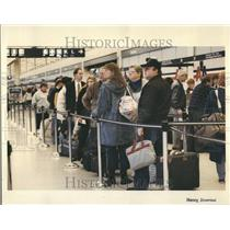 1993 Press Photo O'Hare Airport passengers check-in - RRV43997