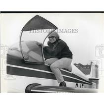 Press Photo Rosalinda, Rochester Airport - KSB62219