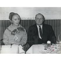 1964 Press Photo King Olav of Norway &Mrs. J. Walford