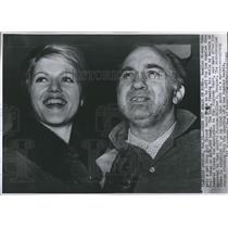 1962 Press Photo Gambler Mickey Cohen released from jail on $100,000 bond