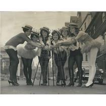 1964 Press Photo Hope McIntyre Jane Sommerville Vivien Ault Solomon Weston