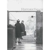 "1966 Press Photo E Berlin Prisoner Leaves Her Daughter After Visit-""Oberbaumbruc"