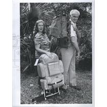 1980 Press Photo Bill and Harriet Jackson Backpackers - RSH65945