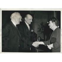 1955 Press Photo Dr GJ van Heuven Goodhart UN High Comm For Refugees-Nobel Prize