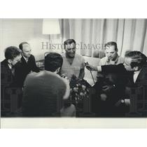 1970 Press Photo Liberated Hostages Arrive in Zurich