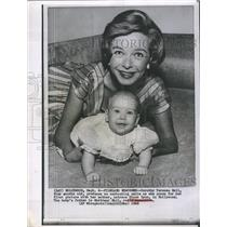 1960 Press Photo Actress Diana Lynn with 4-month old daughter Dorothy Teressa