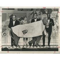 1965 Press Photo Tim Conway, Martha Ray, Danny Thomas & Bill Cosby - RSH96677