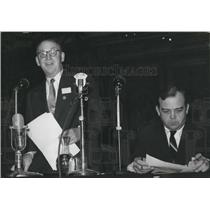 1957 Press Photo Nobel Prize Winner Sir john Cockroft & Mr. Luther's H.Evans