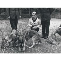 1964 Press Photo Italian actress Virna Lisi invited to the zoo