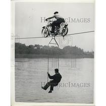 1954 Press Photo Air Pirates Testing Motorcycle Tightwire Over Thames River