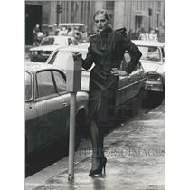 1979 Press Photo Philippe Deville Model Poses By Paris Parking Meter in Dress