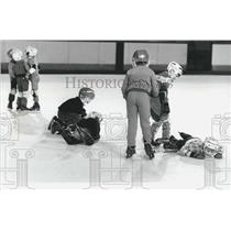 Press Photo Children Play Hockey