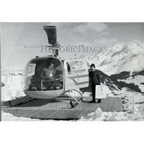 1958 Press Photo Helicopter Takes Helene Gallet to Paint Mont Blanc