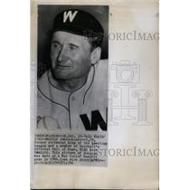 "1946 Press Photo Baseball Hall of Fame member Walter ""Big Train"" Johnson"